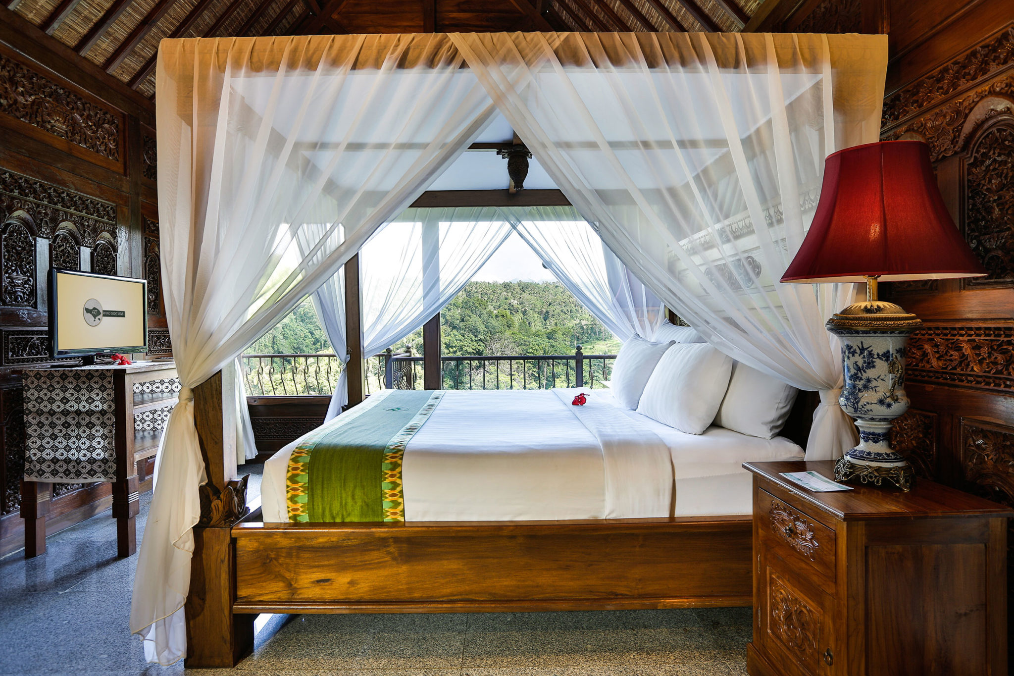 one bedroom deluxe villa with jungle view
