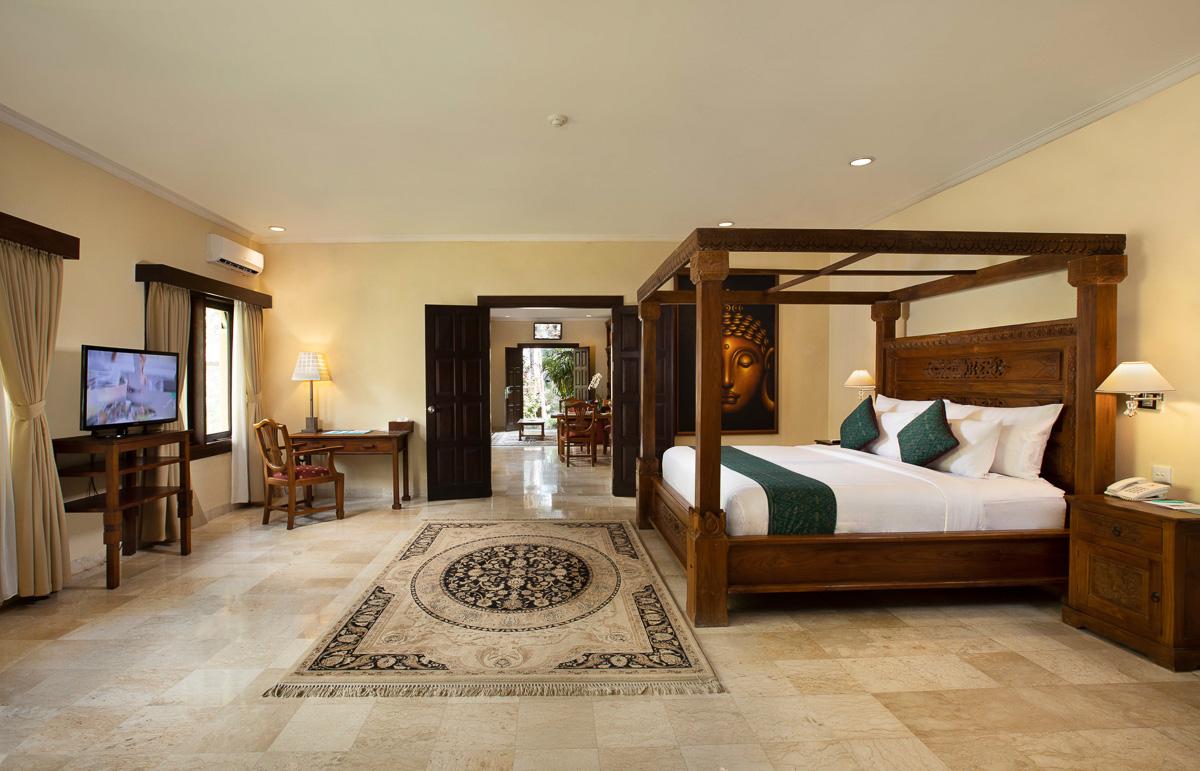garden suite bedroom at ayung resort ubud