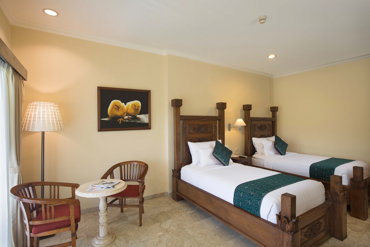 superior twin bedroom at ayung resort ubud